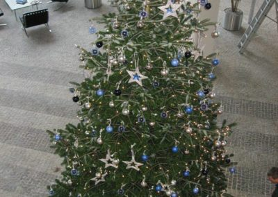Weihnachtsservice-Gruen-und-Raum-bei-Allianz2